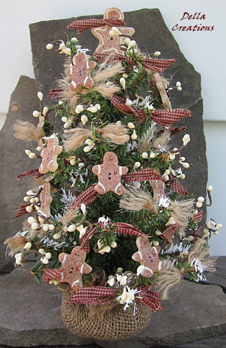 Primitive Christmas Tree.Tabletop Christmas Tree Primitive Country With Salt Dough Gingerbread Men